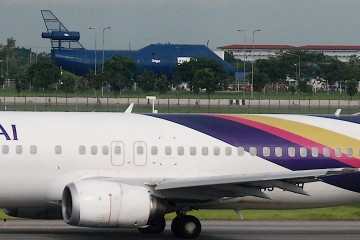 Boeing 734 Thai