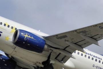 Boeing 737 Astraeus Airlines